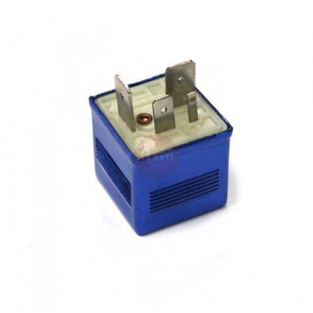Fuel pump relay - VW PASSAT / SUPERB // AUDI 80 / 100 / A4 / A6 / A8